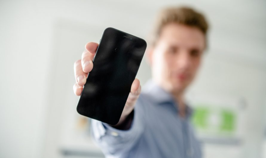 Une porte dérobée dans le cryptage des téléphones portables des années 90 existe toujours