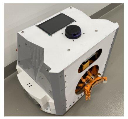 Un système autonome pouvant atteindre des robots mobiles chargés sans interrompre leurs missions