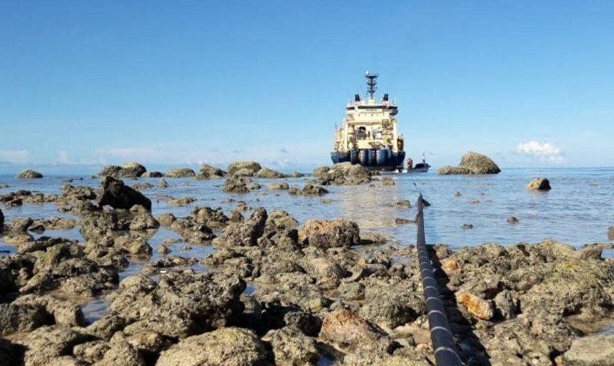Des câbles Internet sous-marins relient les îles du Pacifique au monde, mais la tension géopolitique tire sur les fils